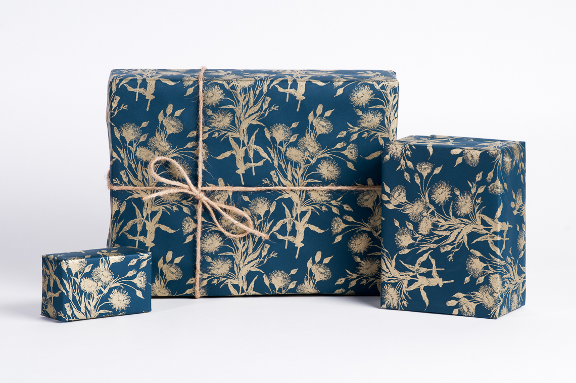 Bouquet of Gold / Navy-Gold wrapping paper