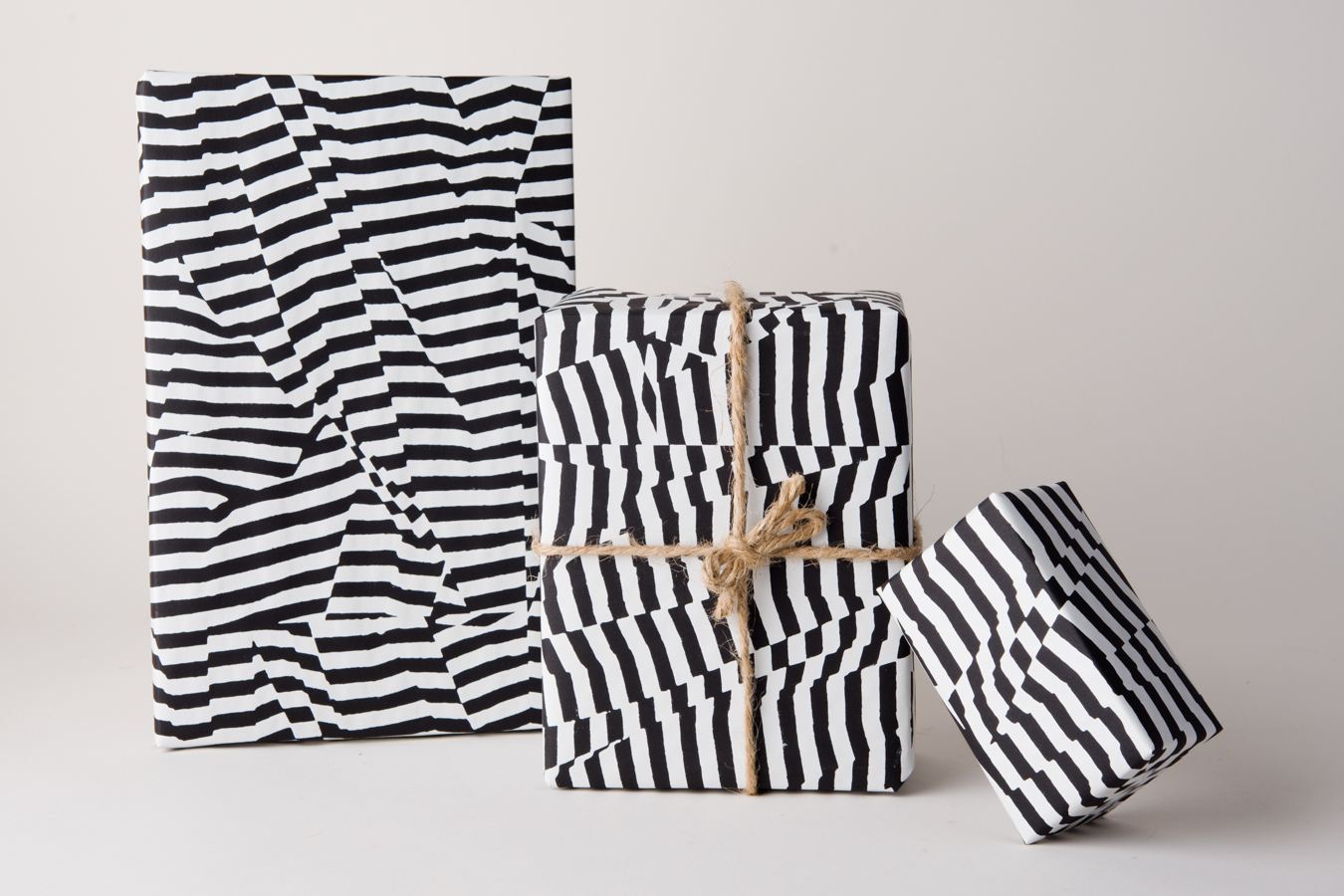 scattered-stripes-gift-wrap_BW